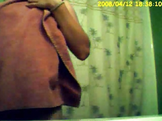 hidden camera - girlfriend after shower