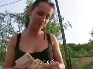 brunette hair girl screwed to earn a quick buck