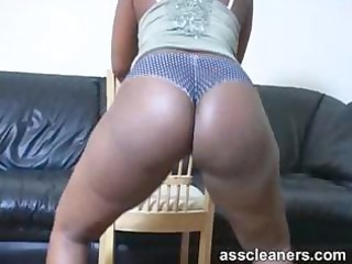 swarthy mastix lures with her bouncy arse for