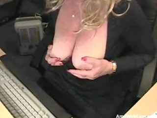 70 years perverted mamma silvia plays for webcam