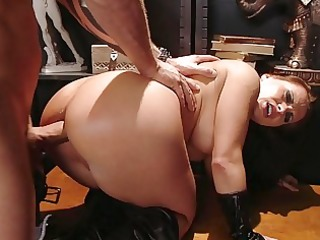 round assed whore sucks giant meat cock