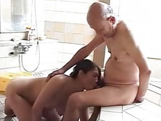 maki tomoda old guy and mother i 10