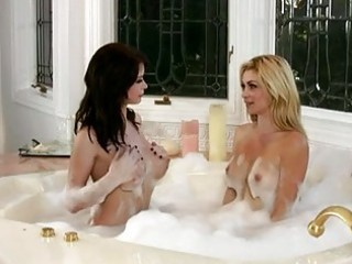 heather vandeven and her hawt ally masturbating