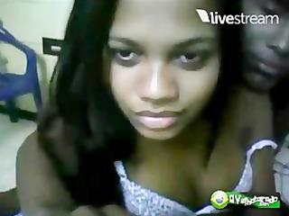 casal swarthy se mostrando na webcam...