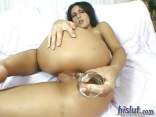 luscious is a sexually excited latin chick
