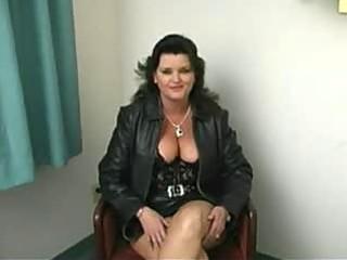 bulky aged woman oral-job
