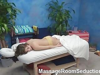 ashlynn massage room