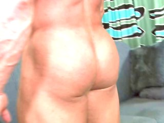 bodybuilder homo goes down on a jock and sucks in