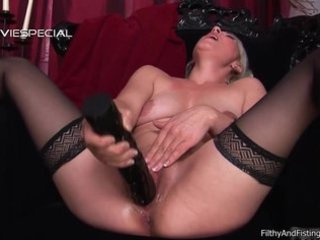 fist fucking a mother i doxy