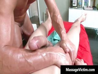 chap receives super sexy homo massage and acquires