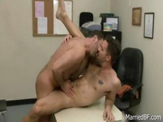 tattooed hunk acquires unfathomable anal fuck