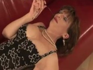 aged stocking fetish whore engulfing shlong