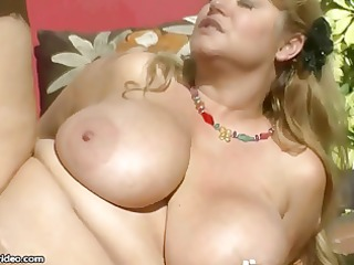 hawt large tit big beautiful woman d like to fuck