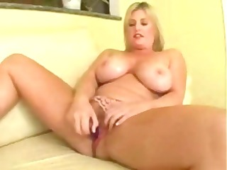 bulky blond d like to fuck lets his giant