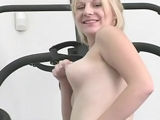 blonde hottie is fucking her vagina with