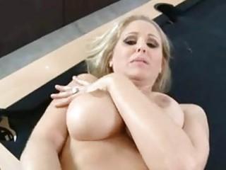 luscious mama julia ann acquires her vagina