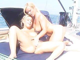lesbo sex in unusual places - scene 5