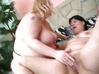 big beautiful woman lesbo copulates with toy