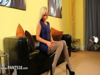 blondie in incredible nylon hose