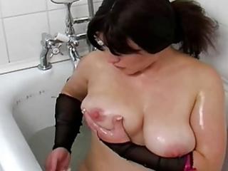 breasty milf: in the bathroom