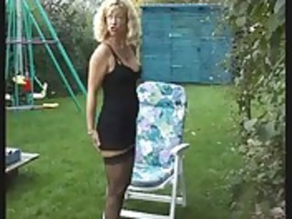 older wife make water in garden on her bf - bea