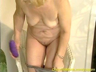 shaggy mommy masturbation