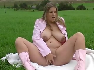 fat honey fingering and squirting